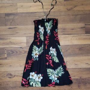 Dresses & Skirts - Strapless beachy dress